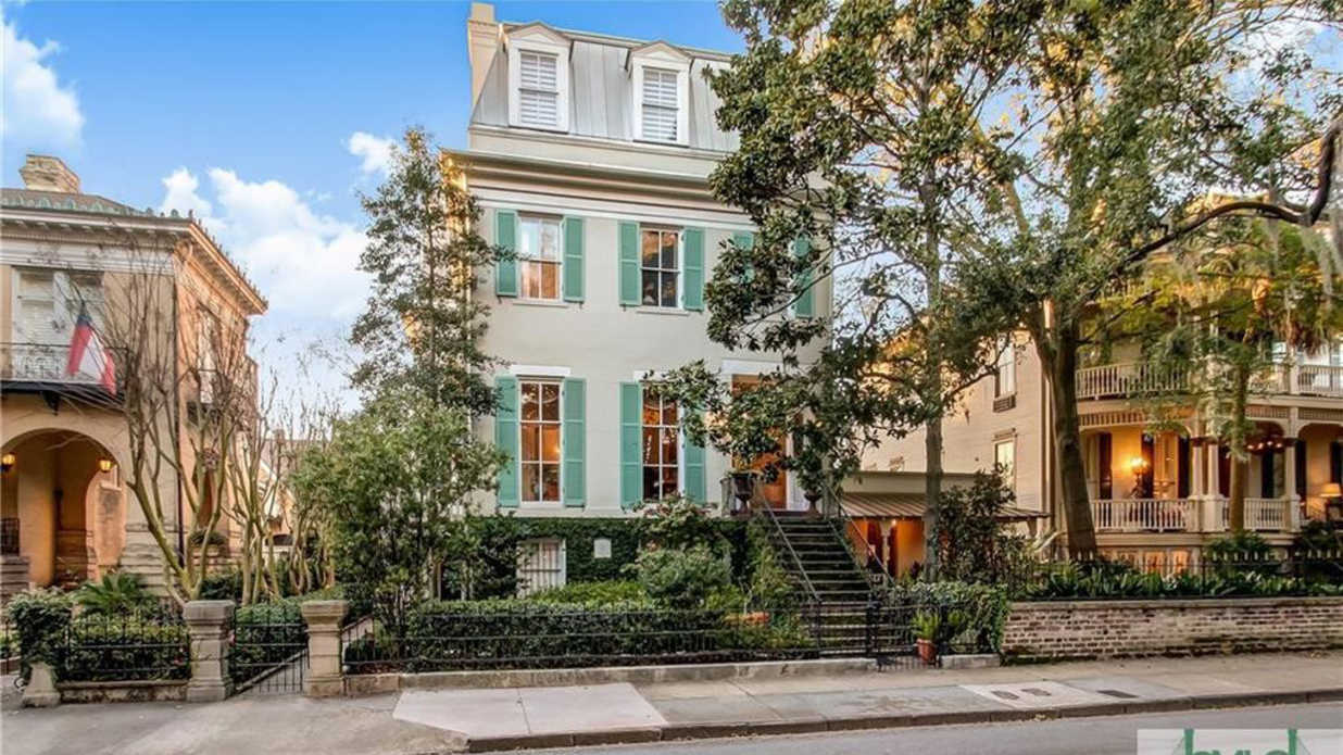 This Dreamy Historic Home in Savannah Just Hit the Market