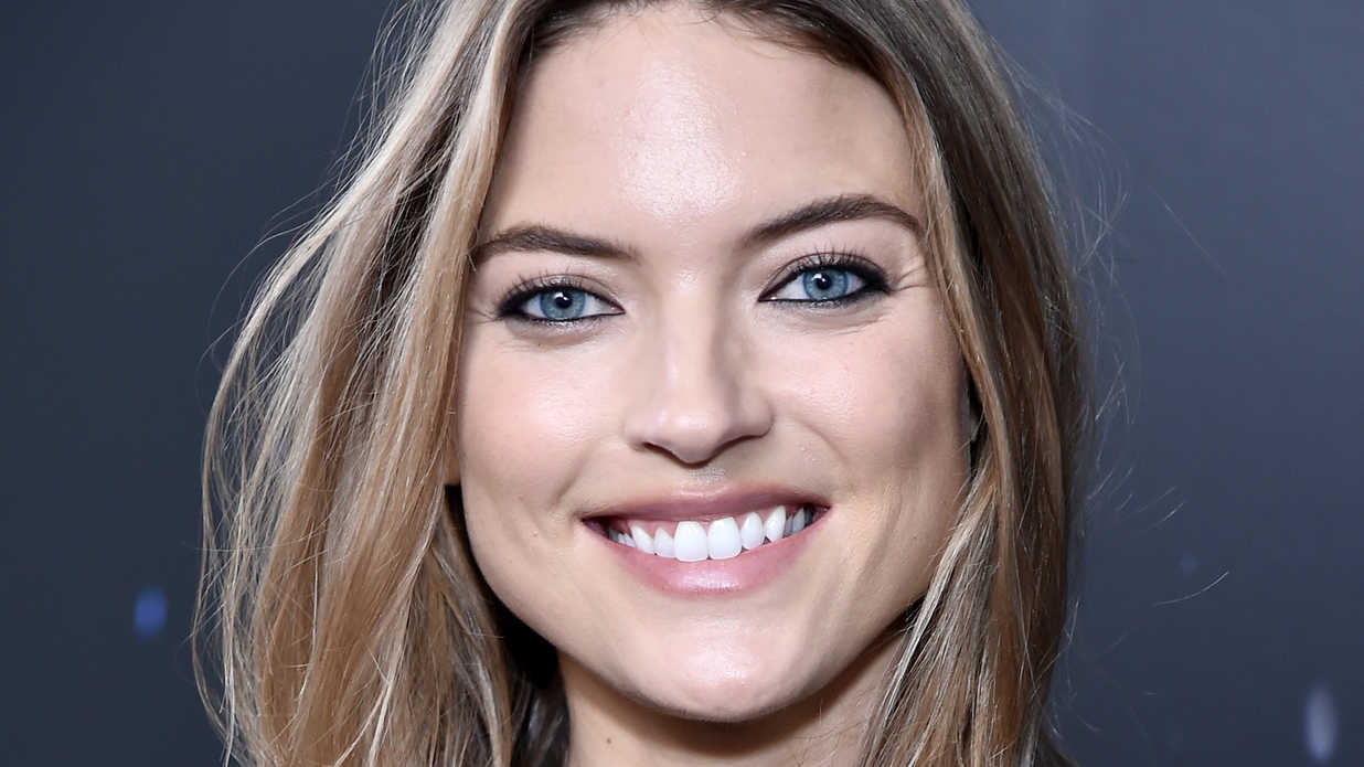 best hair colors for blue eyes - southern living