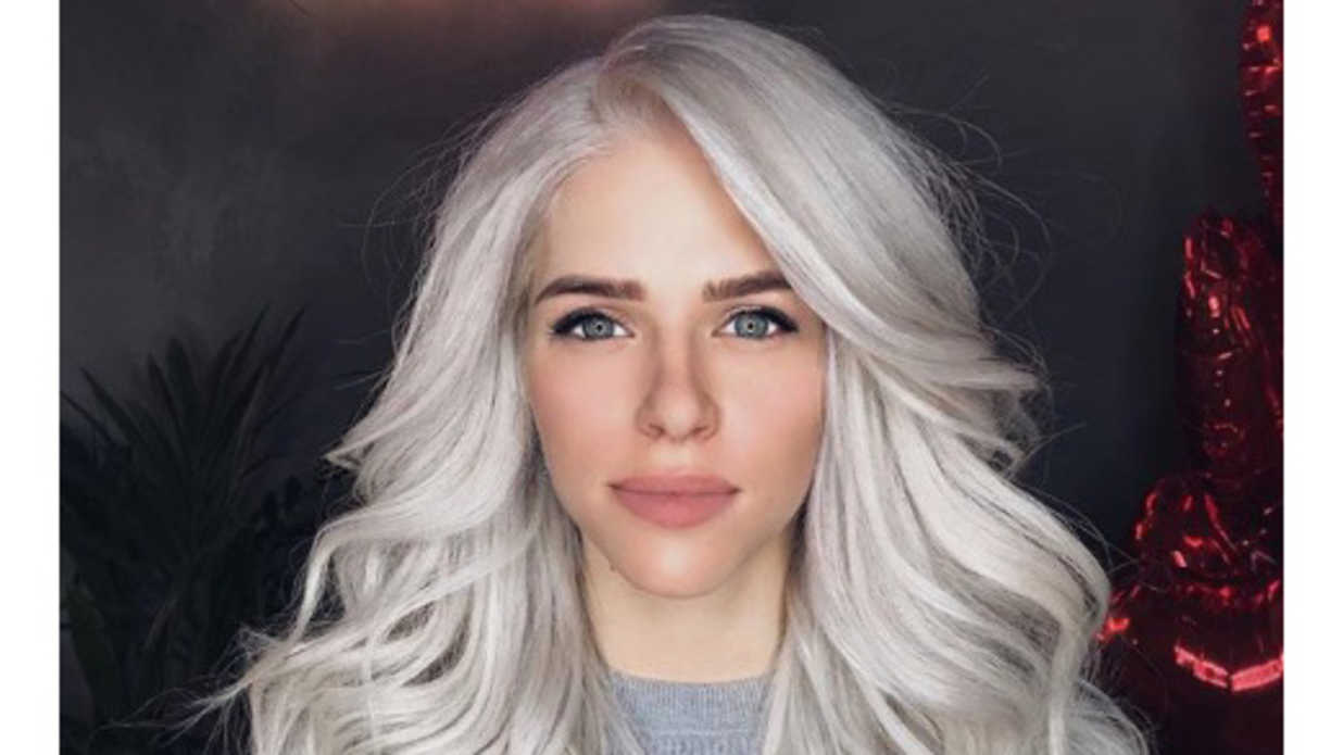 """Frozen Blonde"" Is Now a Hair Color Trend And Our Disney-Loving Hearts Can't Take It"
