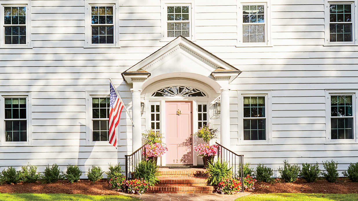 19 Bold Colors for Your Front Door