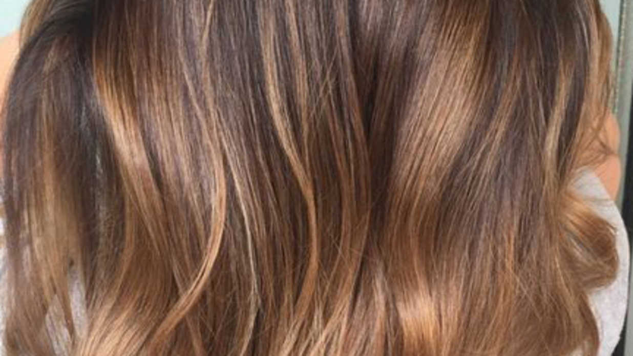 2019 year for girls- Hair brown with caramel ombre