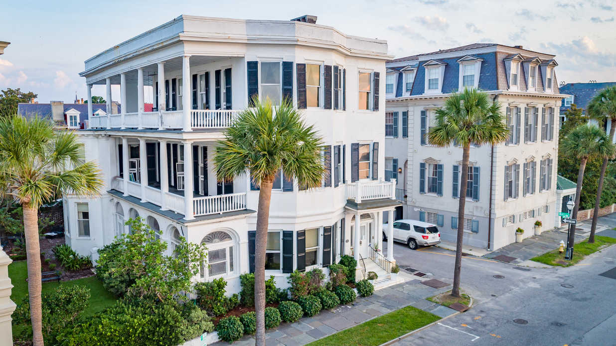 Tour One of the Oldest Homes on Charleston's Famed East Battery