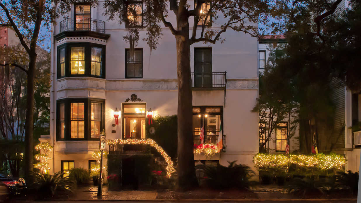 Savannah's Most Charming Holiday Homes