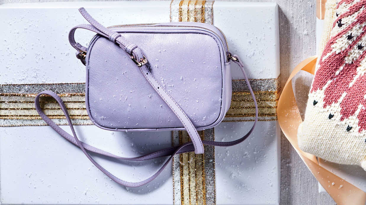 10 Trendy Christmas Gifts for Her