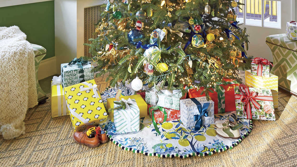 6d0c428cd10 Our Favorite Holiday Drama  Gorgeous Trees!