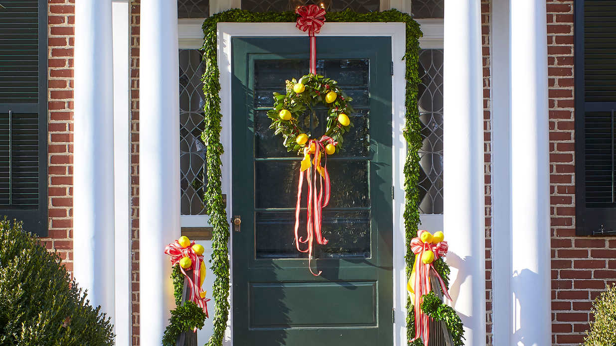 You Must See This Colorful Home Bursting With Christmas Cheer