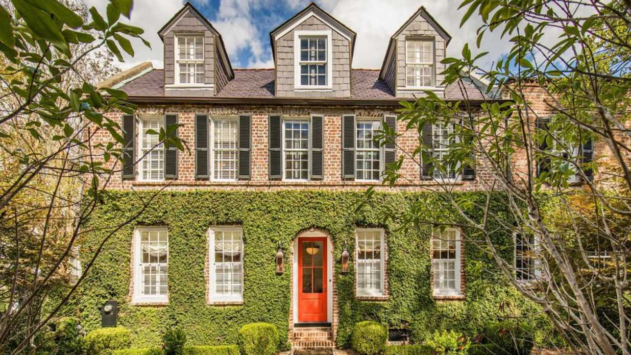 We're in Love with This Vine-Covered House in Downtown Charleston