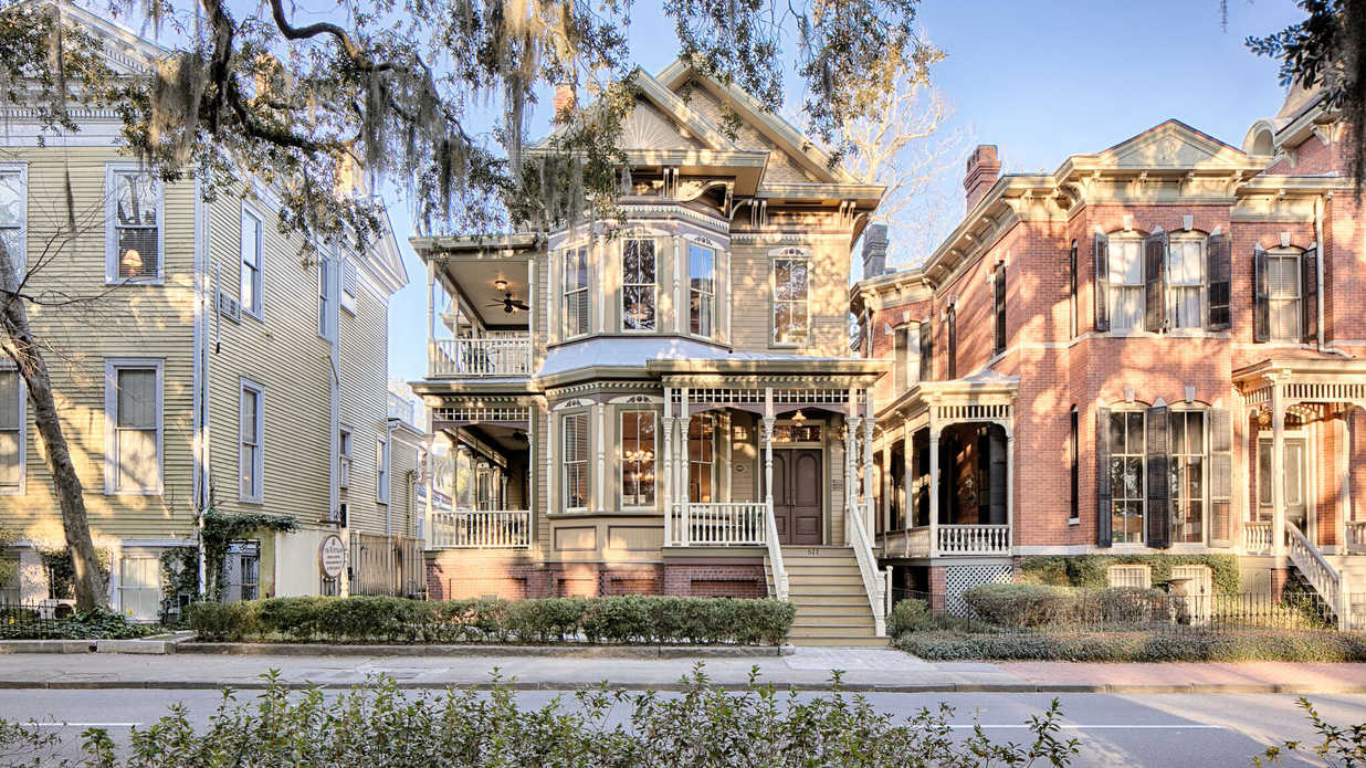 The Historic Crowther Mansion in Savannah Is For Sale—Take a Peek Inside