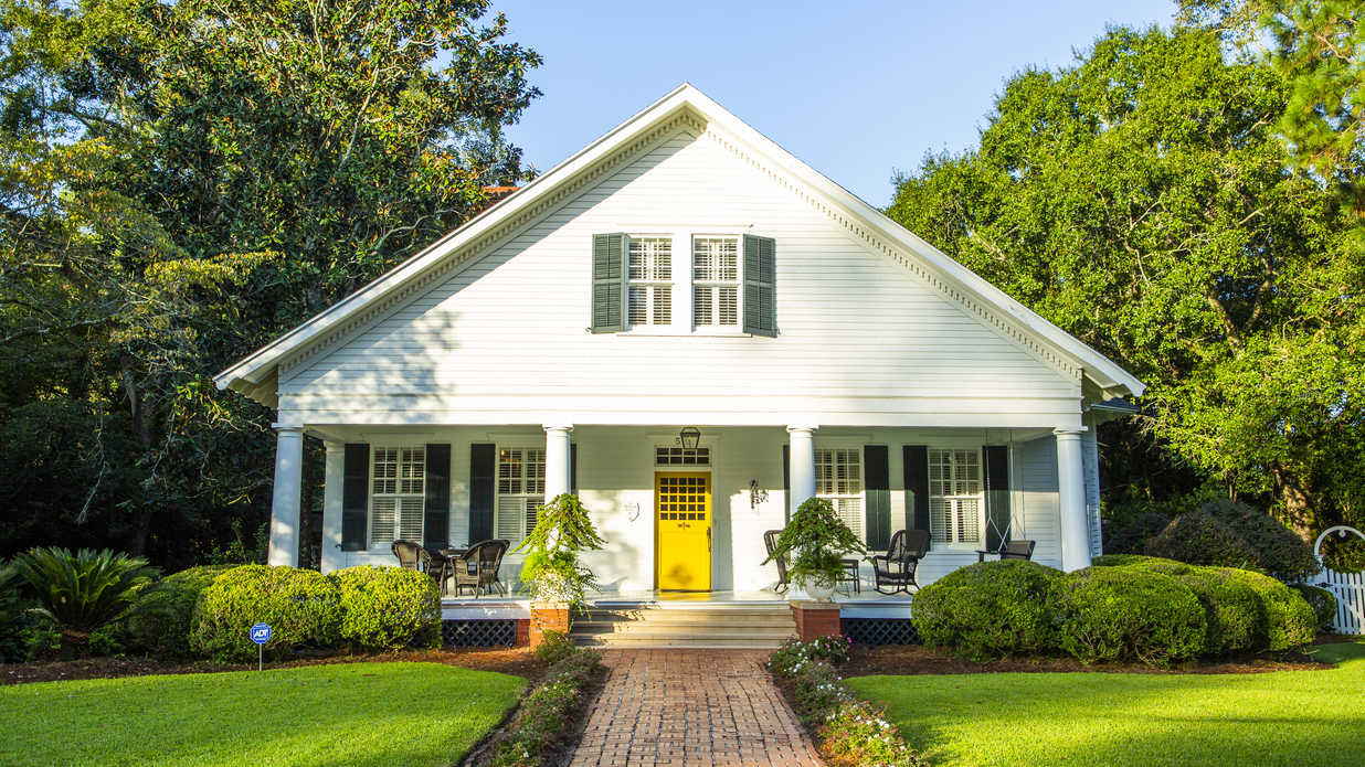 Small Town Charmer: You Will Fall in Love With This 100-Year-Old Georgia Home