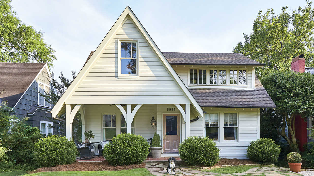 This 2,500-Square-Foot Cottage is Bursting with Southern Charm