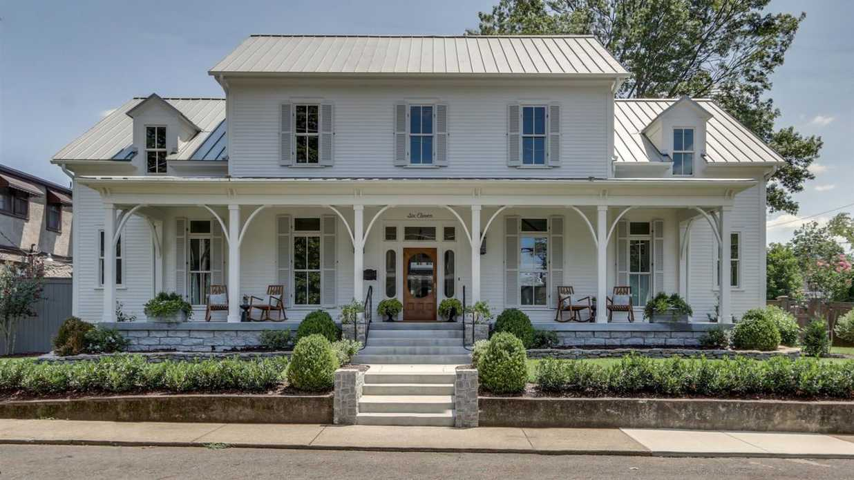 "The Farmhouse Where Food Network Show ""Martina's Table"" Was Filmed Is on the Market"
