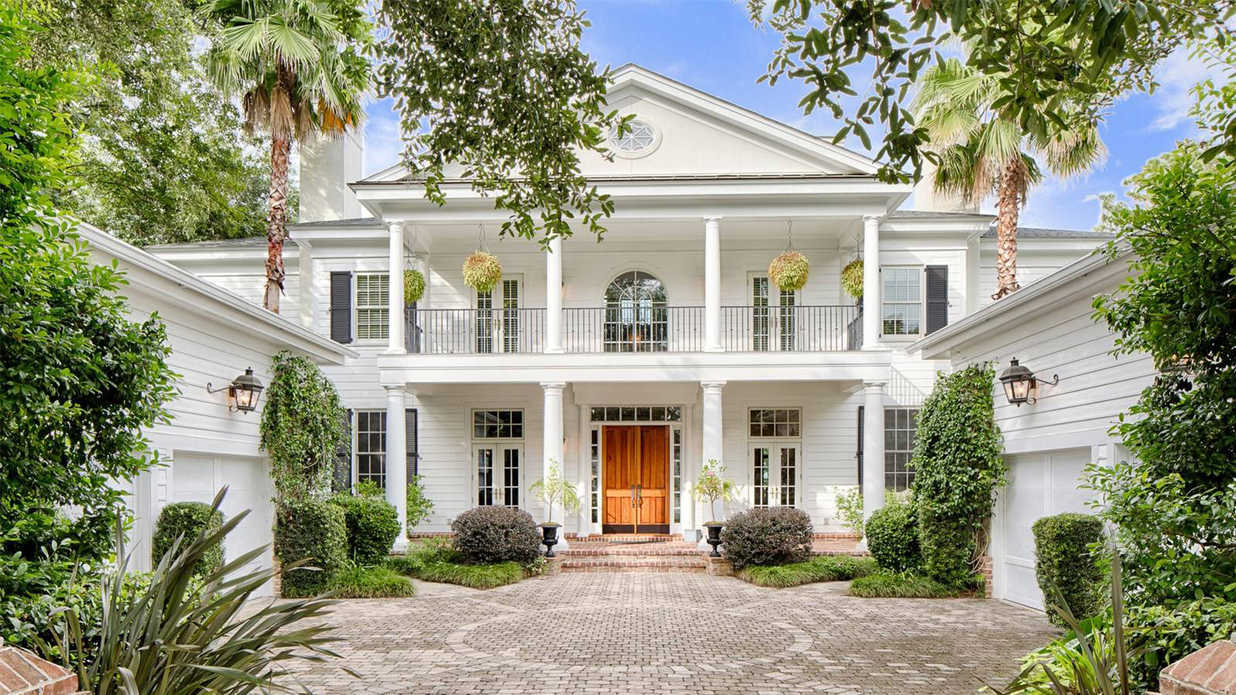 This Charming South Carolina Manor Offers Breathtaking Views of the Colleton River