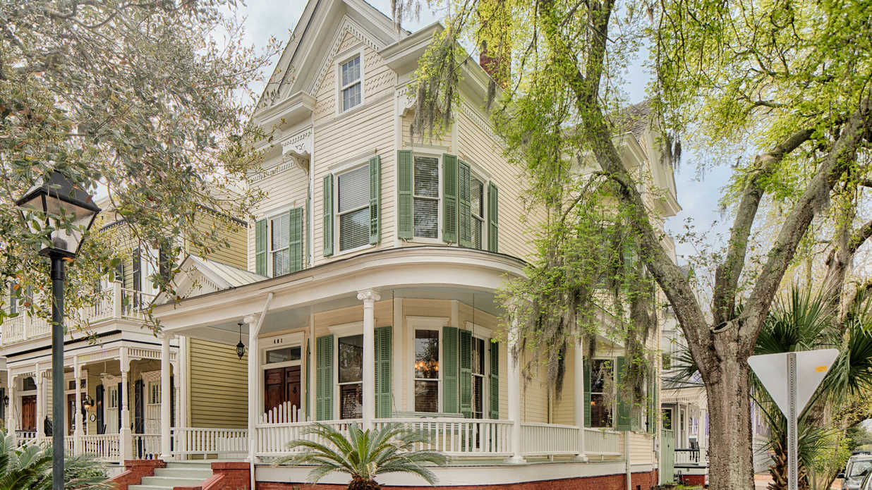 This Grand Victorian Home in Savannah Is Full of Southern Charm and Dreamy Architectural Features