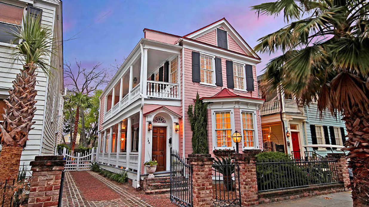 This Historic Pink Charleston Single House Could Be Yours for $995,000