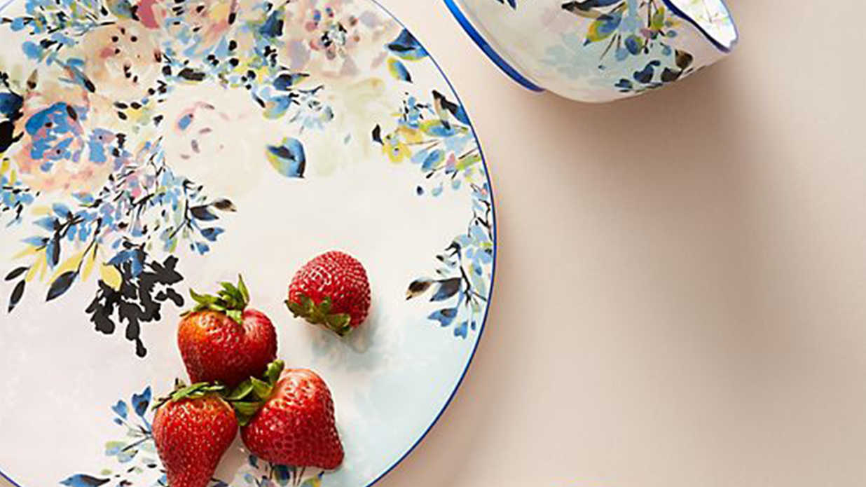 20 Sets of Vintage-Inspired Dishware For Setting a Gorgeous Dinner Table