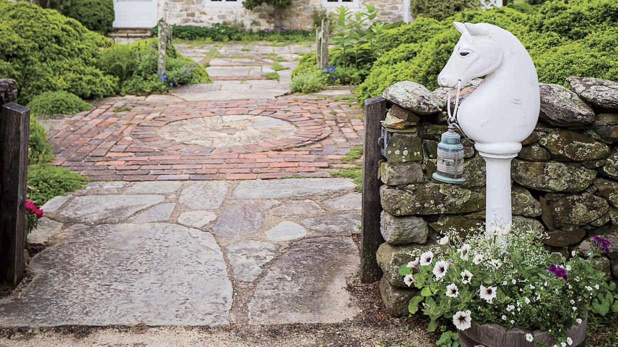 Bunny Mellon's Best Garden Design Tips