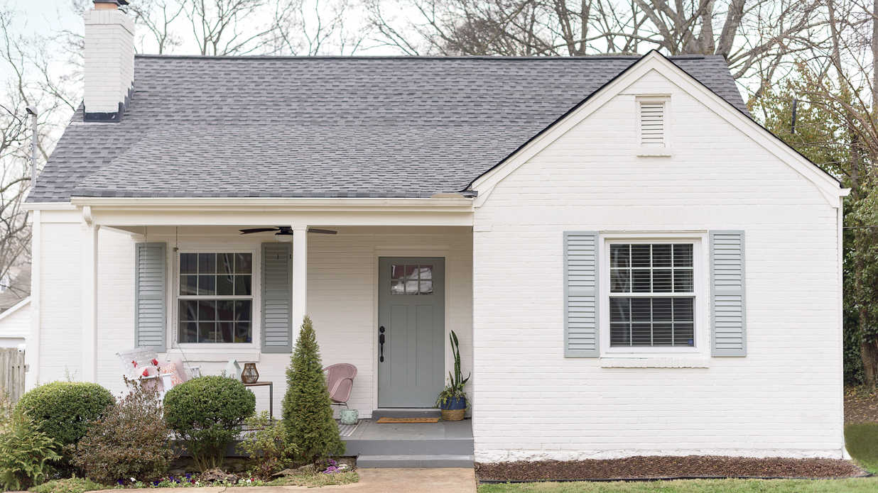Peek Inside This 1,200-Square-Foot Nashville Bungalow