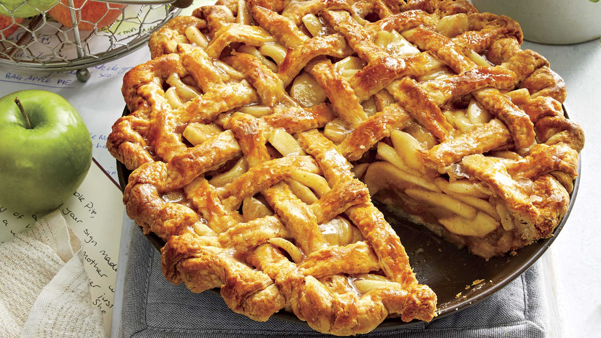 20 Inviting Apple Pies for Every Fall Occasion