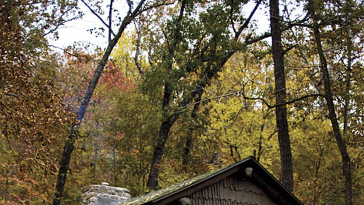 mena wolf in the cabin living clear arkansas gap pen sky rates ridge hilltop rentals cabins near room