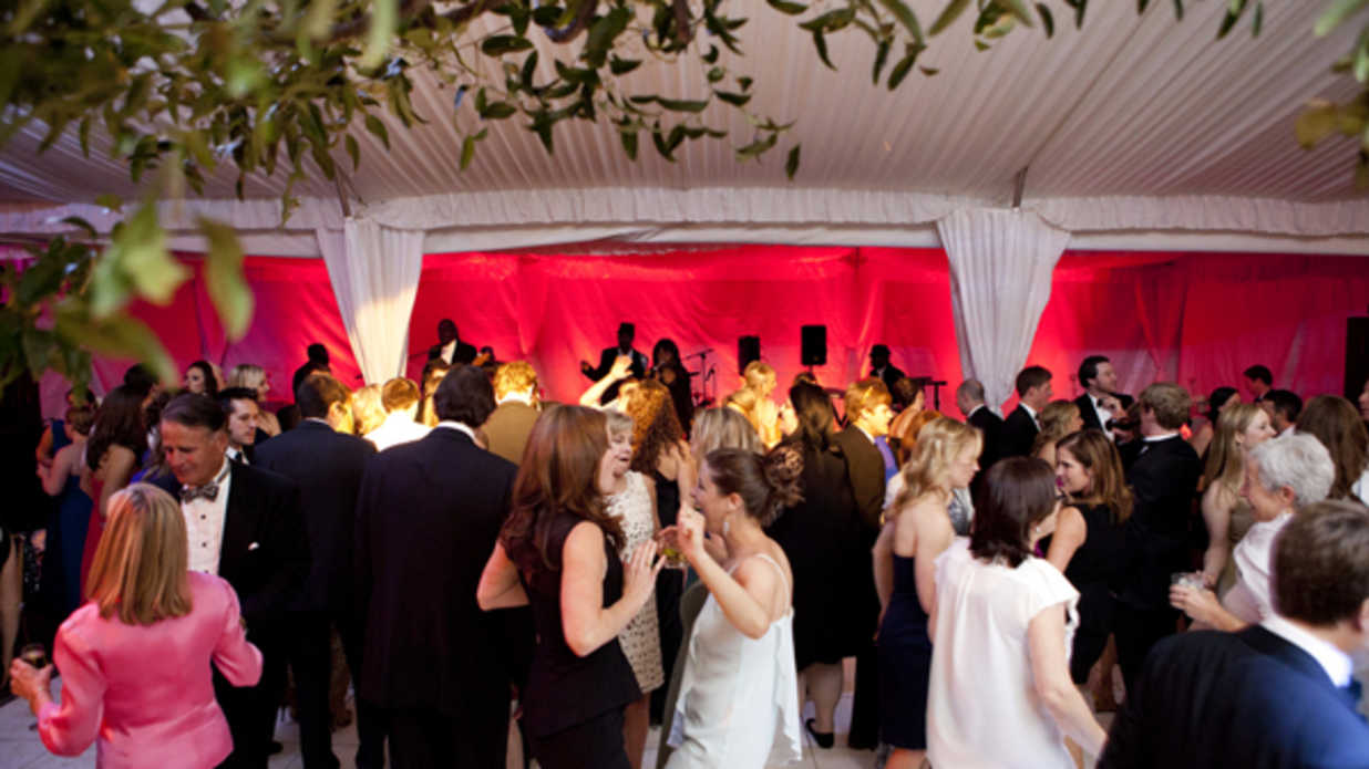How to Be a Well-Mannered Wedding Guest - Southern Living