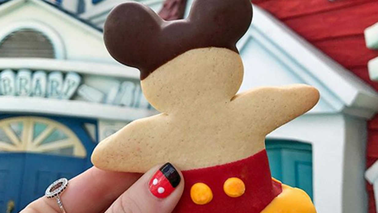 55 Magical Mickey-Shaped Foods You Can Eat at Disney Parks