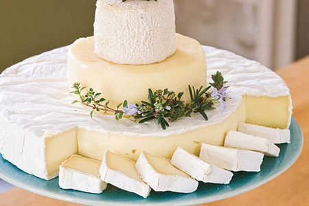 "Wedding Shower Recipe Ideas: Make a Cheese ""Cake"""