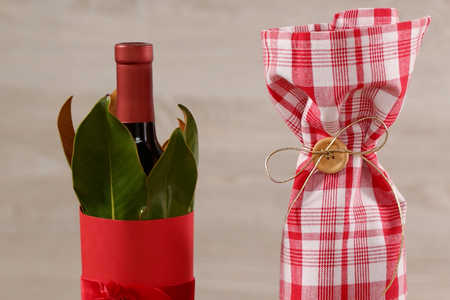 Three Creative Ways to Wrap a Wine Bottle