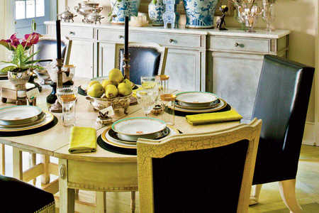 Stylish and Festive Table Setting