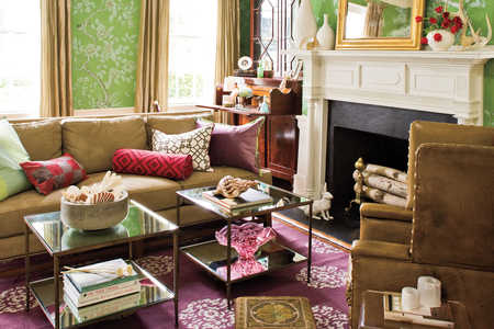 Charleston Home: Living Room Blend of Elegance and Comfort