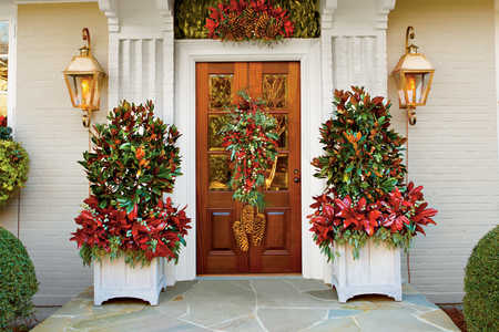 magnolia entryway gardening ideas magnolia front door for christmas - Christmas Front Door Decor