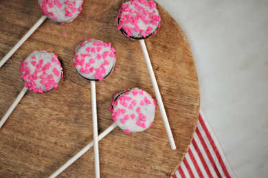 Valentine's Day Oreo Pops