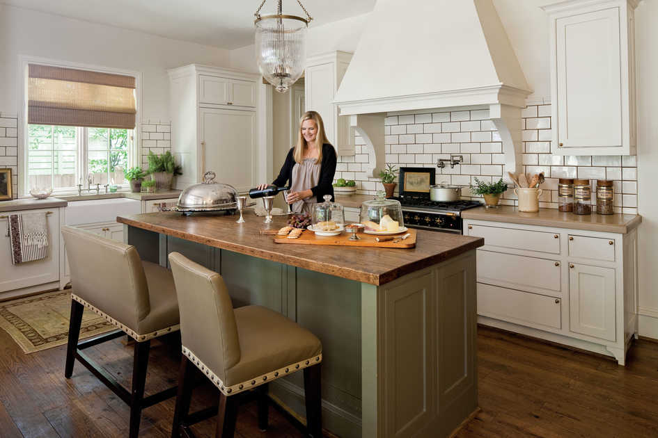 Dream kitchens southern living for Southern style kitchen ideas