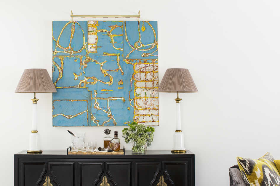 Biggest Decorating Don'ts: Badly Hung Art